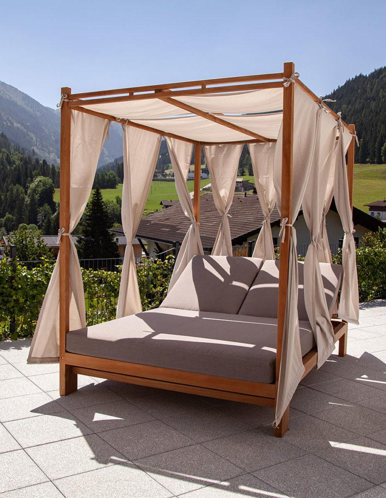 Himmelbett, hochwertige Gartenmöbel aus Massiv-Holz